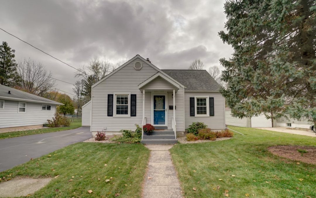 811 W South St, Stoughton, WI 53589