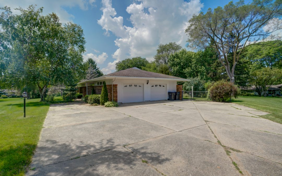 6693 Chestnut Cir, Windsor, WI 53598