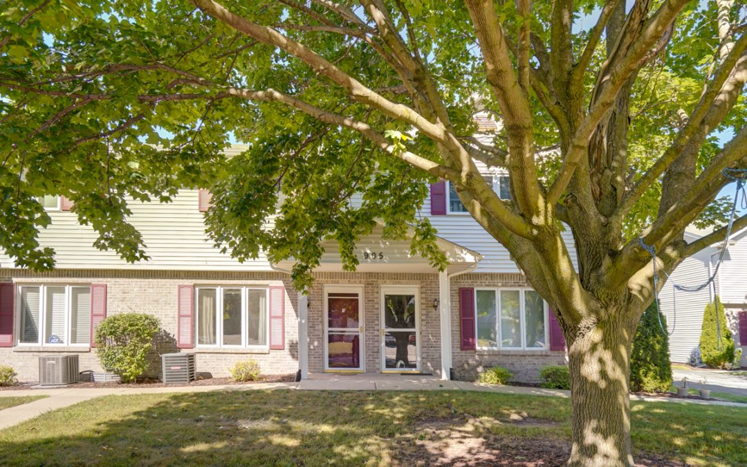 905 Whispering Way, Cottage Grove, WI 53527