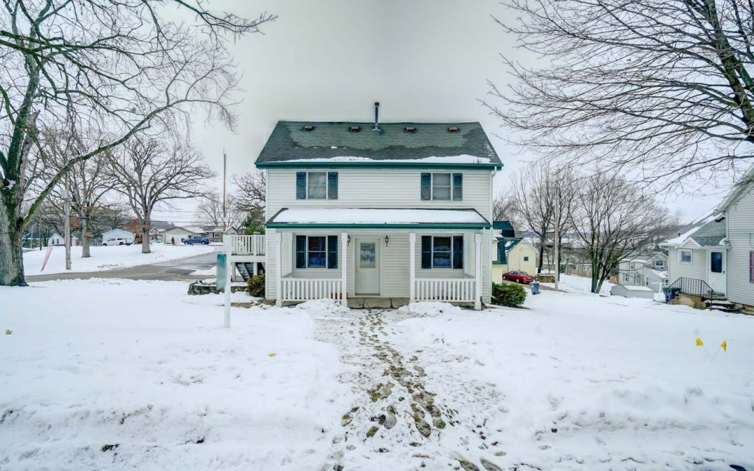 7 N High St, Deerfield, WI 53531