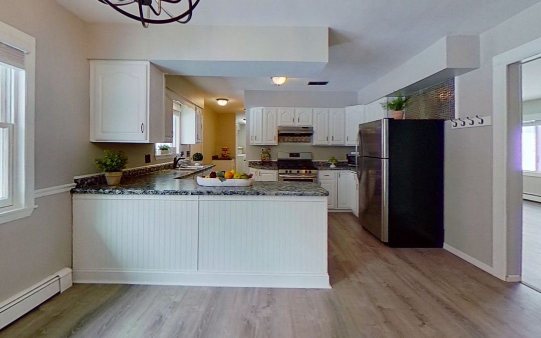 1001 S Division St, Waunakee, WI 53597
