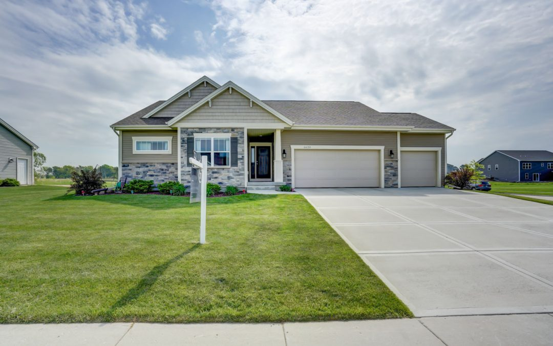 6650 Wolf Hollow Rd, Windsor, WI 53598