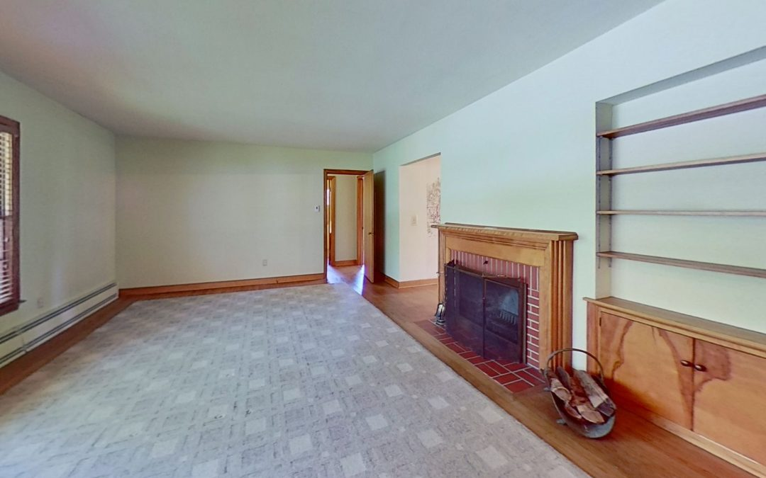 310 S 5th St, Mount Horeb, WI 53572