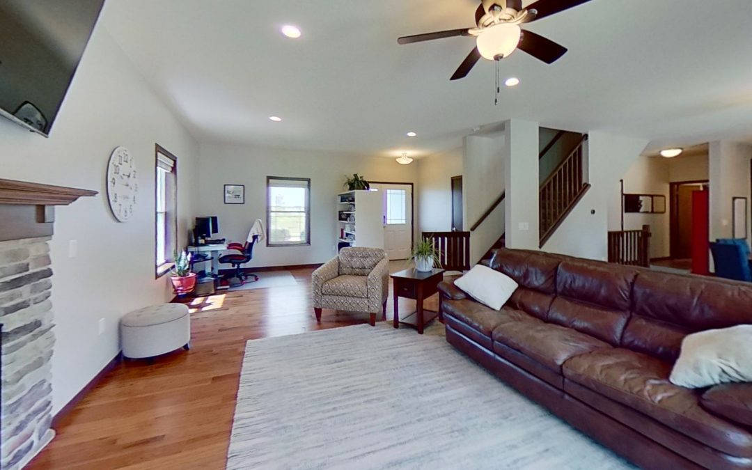 6634 Wolf Hollow Rd, Windsor, WI 53598