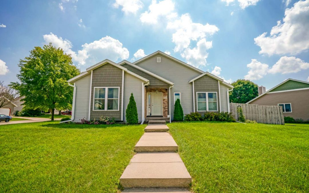 3142 Round Table Way, Cross Plains, WI 53528